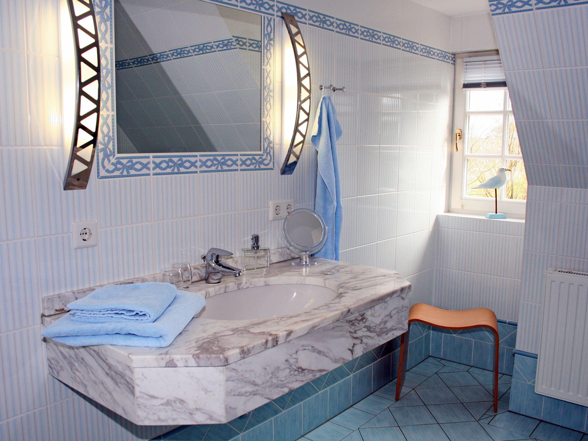 exklusive, strandnahe Ferienwohnung mit 5 DTV Sternen und Sauna/Fittnessraum,Kinderspielplatz Nr. 6a - Duschbad