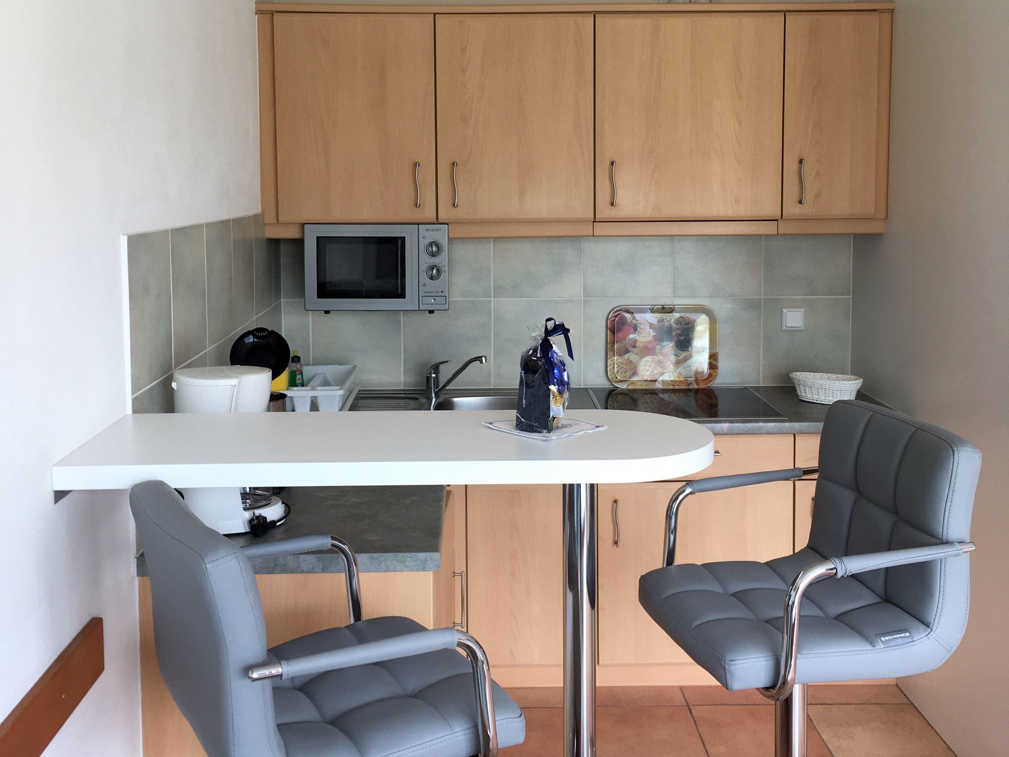 Freundliches 1-2 Personen Appartement mit Blick auf eine Obstwiese im 1. Obergeschoss mit Balkon, Strandnah gelegen, Nr. 11