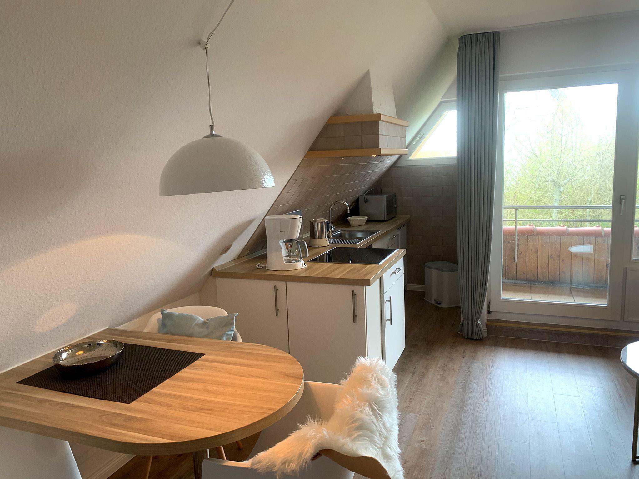 Gemütliches strandnahes Ferienappartement in St. Peter-Ording für 2-3 Personen mit Loggia in Strandnähe mit Blick auf den Ordinger Deich-Luna IV Nr. 33