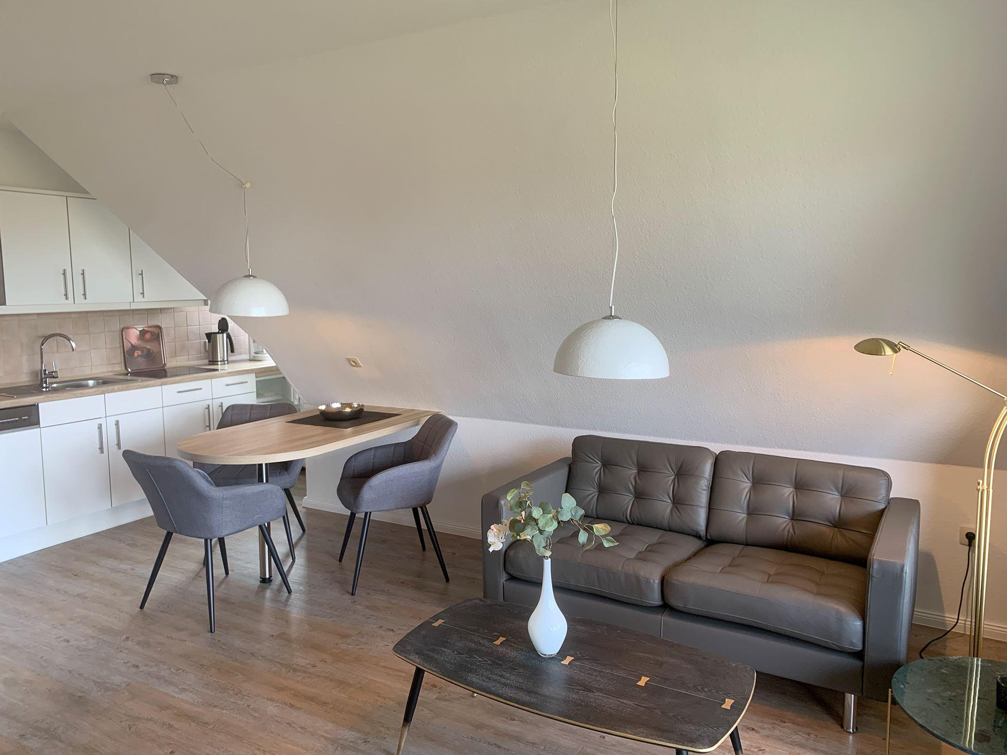 Gemütliches strandnahes Ferienappartement in St. Peter-Ording für 2-3 Personen mit Loggia in Strandnähe mit Blick auf den Ordinger Deich-Luna IV Nr. 36