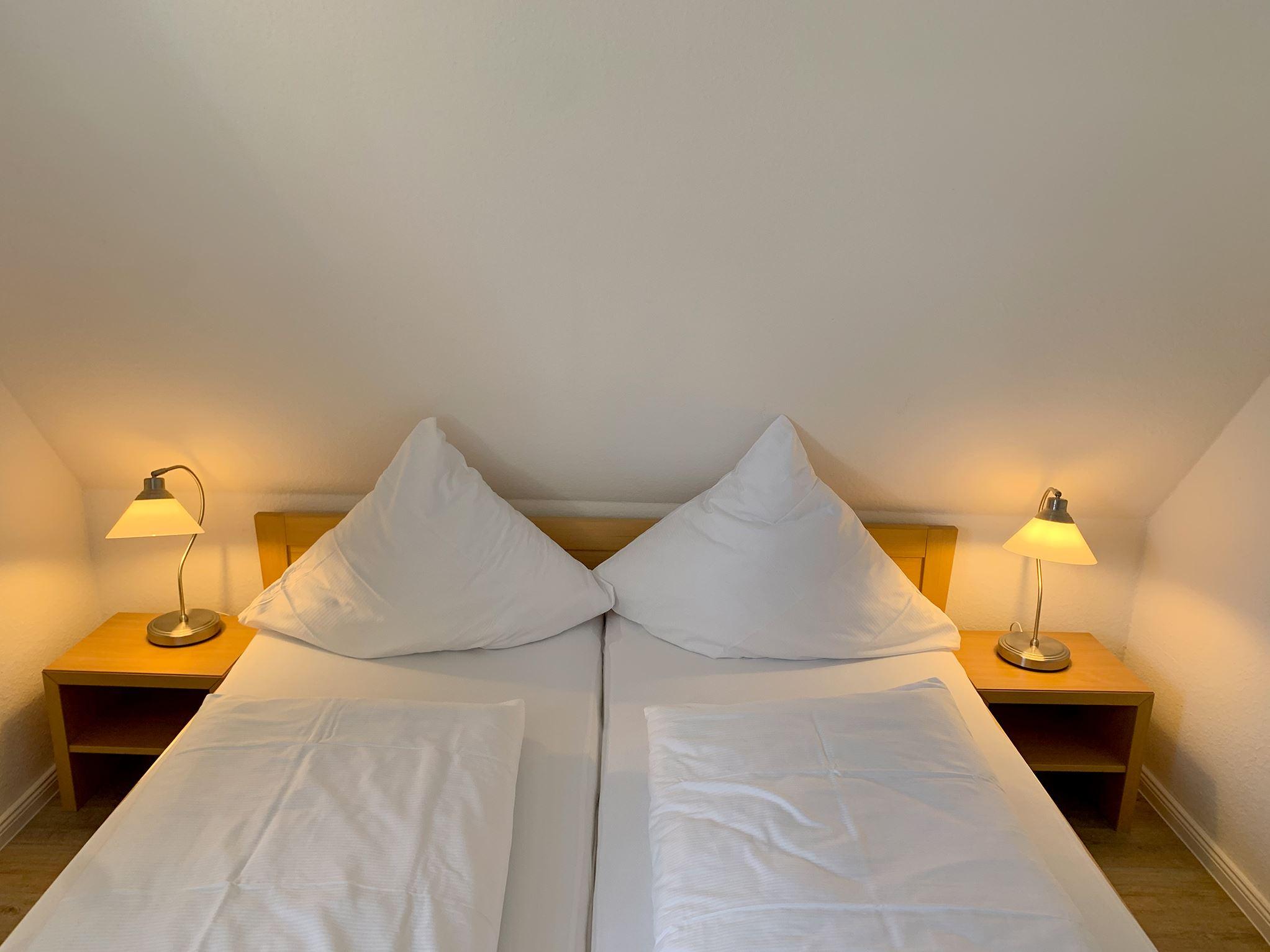 Gemütliches 2-3 Personen Ferienappartement in St. Peter-Ording mit Loggia in Strandnähe mit Blick auf den Ordinger Deich Luna IV Nr.35